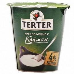 Кисело мляко с каймак...